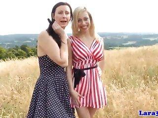 Lesbian von Studio Private Laras Playground Lara Latex Chessie Kay britische Reife straponfucked von sexy Krankenschwester