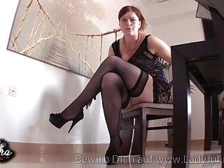 Fetish von Studio Videorama Lady Julina domina erzieht sklaven in nylons und high heels