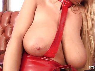 Huge Tits von Studio Elegant Angel My BooBs Channel riesige titten milf Veronica Gold in Latex Dessous Fahrt auf sybia