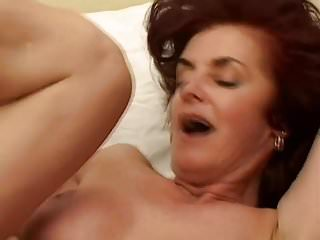 Big Tits von Studio Foxy Media Old-n-young gush oma fickt 20 jahre alten kerl