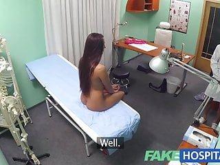 Young von Studio Sinsational Fake Hub Mea Melone Fakehospital junge Ärztin erhebt sich zum großen Anlass
