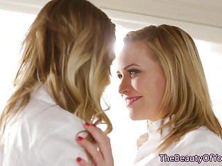 Lesbian von Studio Private Web Young Mia Malkova blonde lesbische teens neunund finger