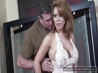 Big Boobs von Studio Private Sexxy Girl Die schlmape mit den dicken Titten auf dem Sofa gefickt