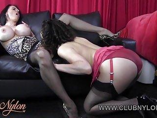 Lesbian von Studio Private Club Nylon geile Lesben lecken große Titten zierlich wank in Nylons Dessous