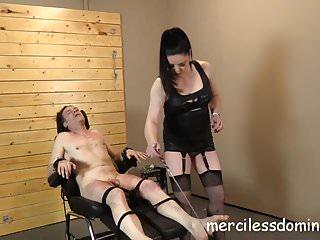Perfect Sin Network sinnliche Folter durch Herrin Sarah Kelly - schreiende Hündin