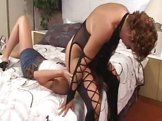 Lesbian von Studio Private 5X: Xham 2 Lesben spielen mit Dildo