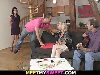 Young von Studio Sinsational Meet My Sweet Lucy Bell altes paar verführen und ficken Sohn junge Freundin