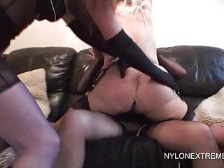 Lesbian von Studio Private Nylon Extreme Sarah Kelly drei nylon lesbische Mädchen genießen doppel dildo