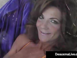 Big Boobs von Studio Private Deauxma Live hot cougar deauxma dildo fickt ihre Muschi & spritzt!