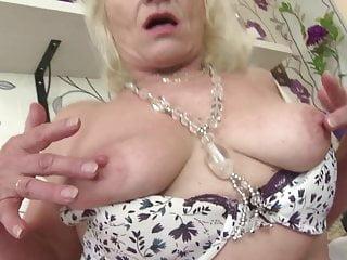 Mature NL so alt, aber immer noch heiß geile Oma