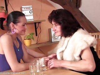 Lesbian von Studio Private Old-n-young Mature NL sexy alte Oma verführt junge Mädchen