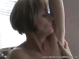 Home Alone von Studio 21 Sextury Wicked Sexy Melanie Cyber-Oma-Cam allein zu Hause