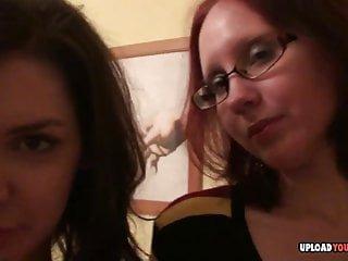 Upload Your Porn atemberaubende Lesben tun einige miteinander