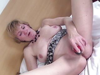 Old-n-young Mature NL alte Oma spritzt wie junge Hure