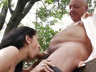 Horny Old Men von Studio Devils Film Old-n-young geile alte Männer verführen schwangere Nachbarn Frau