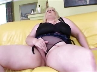 Natural Tits von Studio Devils Film June Kelly interracial titten galore!!! riesige natürliche Titten