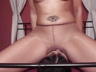 Girls von Studio Fleshlight Femdom Austria Nylon Mädchen spielen mit Männern
