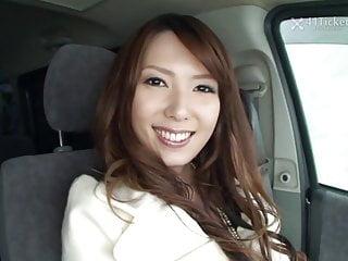 41 Ticket Yui Hatano Deepthroats Schwanz im Auto (unzensiert jav)