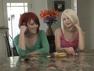 Lesbian von Studio Private Girlfriends Films lesbische Spaß mit Bree Daniels und Elle Alexandra