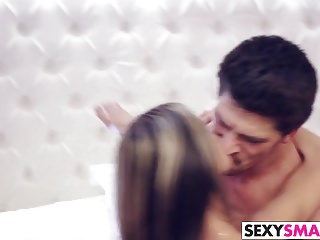 Addicted von Studio New Sensations Exxxtra Small Süß Gina Gerson ist sexsüchtig