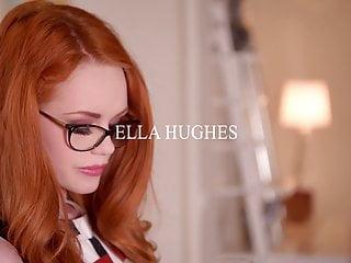 1 By Day geile Rotschopf Ella Hughes masturbiert ihre haarige Muschi mit g