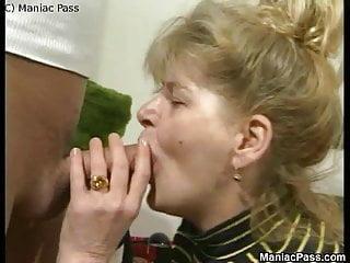 Maniac Pass ältere dame genießt ficken Leidenschaft