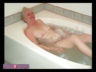 Nackt Küken in der Dusche Pissar: 98,400