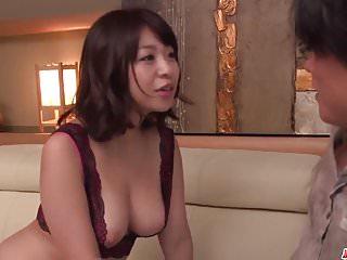 Hey MILF milf in Hitze Wakaba Onoue erstaunlichsex im Schlafzimmer mit Sohn