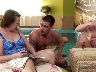 Sex With von Studio Viv Thomas Old-n-young X Group Sex Mature NL alte Omas in verrückten mit jungen Kerlen beteiligt