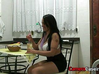 Camera Caseira Mein Cousin berührt eine Siririca in der Küche