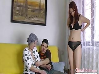 Old-n-young Old Nanny omahotel nackte paar und Oma Spielzeug Dreier