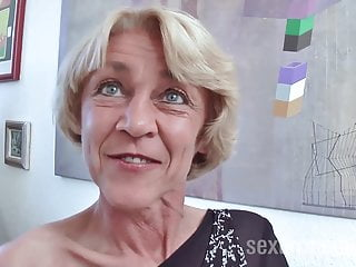Sexter Media Rita Elizabeth brünette oma rita mit willigen nassen Cunt