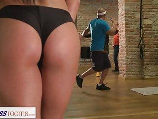 Babes Fitness Rooms spioned auf griechischen gym babe wird gefickt