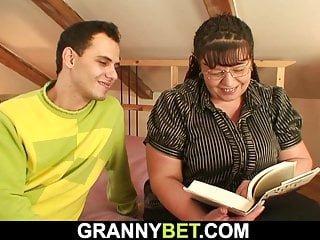 Big Boobs von Studio Private Old n Fat Granny Bet mollig alte Reife abgeholt zum Saugen und Reiten