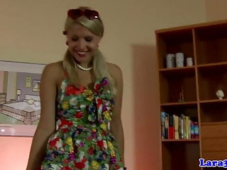 Nylons von Studio Third Degree Laras Playground Brandy Smile classy reifen hilft blonde babe verkleiden sich