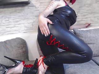 Fetish von Studio Videorama Nina Devil striptease in wetlook leder legging