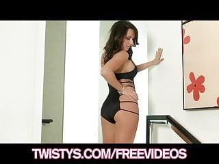 Big Boobs von Studio Private Twistys Network Destiny Dixon sexy Brünette mit einem perfekten Körper zeigt ihre Dessous