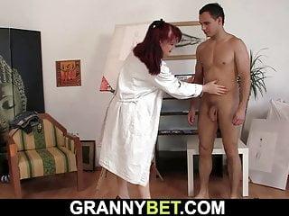 uhr paintress alte Frau sex spiele