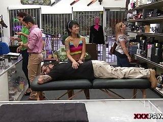 Saya Song entzückende asiatische Massage - XXX Pawn