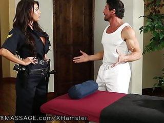 Fantasy Massage Fantasymassage-Offizier August Taylor zeigt sich bei tommy gunns