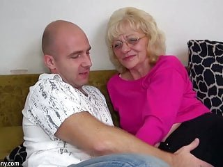 Horny Grannies von Studio bizarreBrothers Old-n-young Old Nanny oldnanny alte Oma ist sehr sehr geil und nass