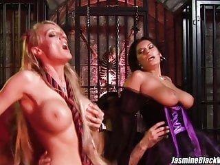 Sex With von Studio Viv Thomas Jasmine Black Videos Stacey Saran Vierer Sex mit Jasmine Black in einem Verlies