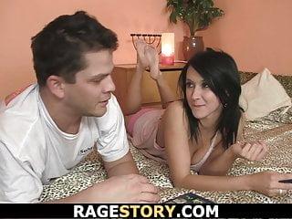 Young von Studio Sinsational Rage Story er Finger ihr winziges junges Loch vor hart ficken