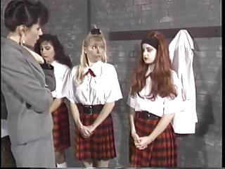 J School Girls Mädchen Schule spanking Teil 1