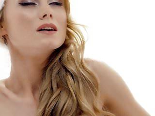 Sex With von Studio Viv Thomas The White Boxxx - intensiver Weihnachtssex mit Blondie Nancy A