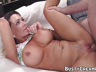 Big Tits von Studio Foxy Media Big tit creampie dicke blasscutie mit großen Titten Destiny Dixon genießt bwc