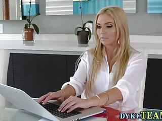 Teen Arsch Lesbische Milf isst Lesbische Mutter