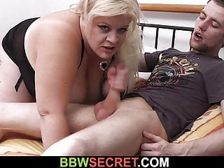 Big Tits von Studio Foxy Media BBW Secret Channel Frau erwischt edoggy-fucking fette blondine