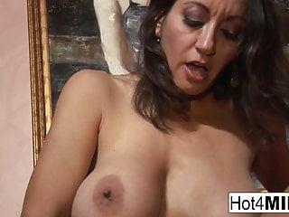 Big Tits von Studio Foxy Media Hot 4 MILF Persia Monir milf mit großen Titten will eine Gesichtsbehandlung