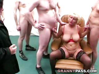 X Group Sex Gruppensex und Anal mit Oma und ihrem Freund